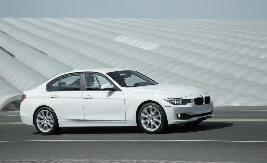 2013 BMW 320i - Slide 5