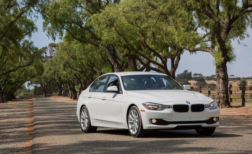 2013 BMW 320i - Slide 11