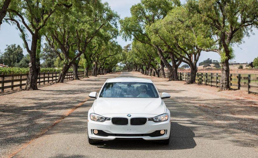 2013 BMW 320i - Slide 12