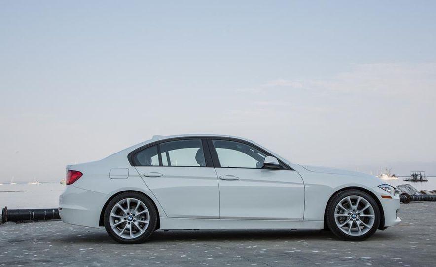 2013 BMW 320i - Slide 13