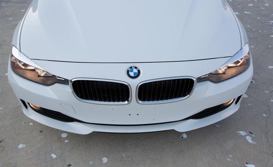 2013 BMW 320i - Slide 19