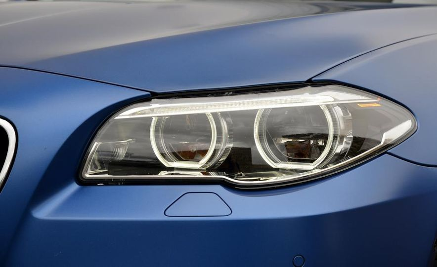 2014 BMW M5 with Competition Package - Slide 19