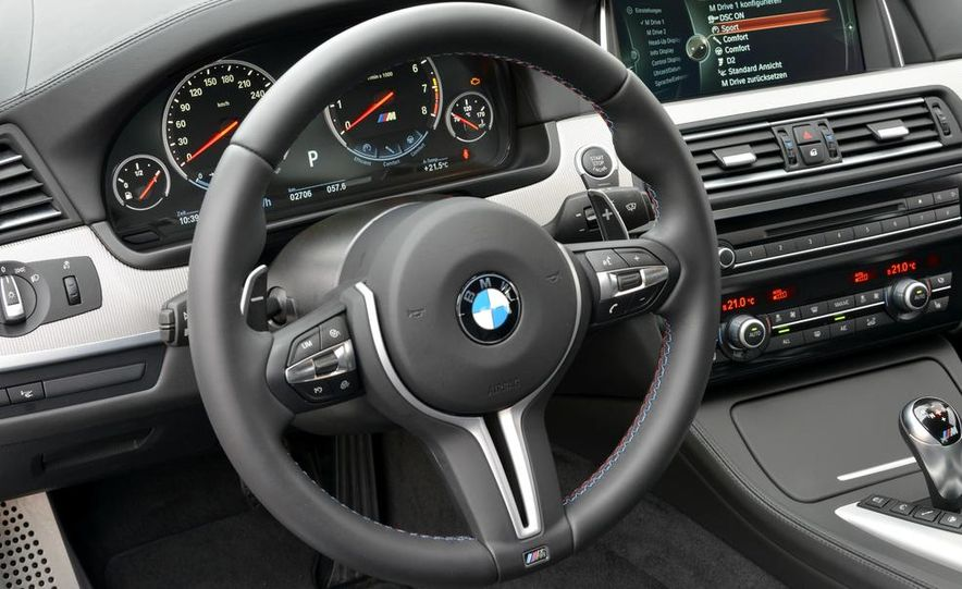 2014 BMW M5 with Competition Package - Slide 25