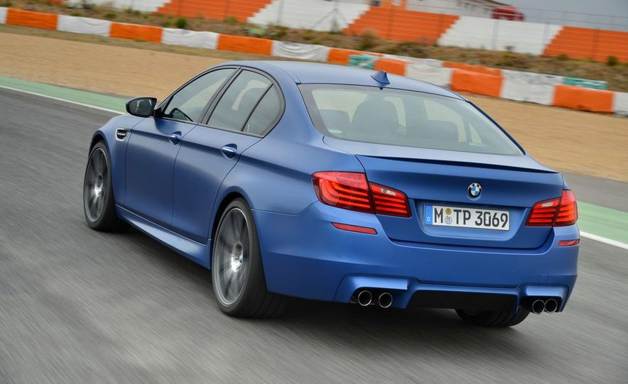 2014 BMW M5 with Competition Package - Slide 7