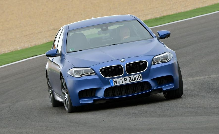 2014 BMW M5 with Competition Package - Slide 10