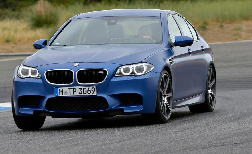 2014 BMW M5 with Competition Package - Slide 11