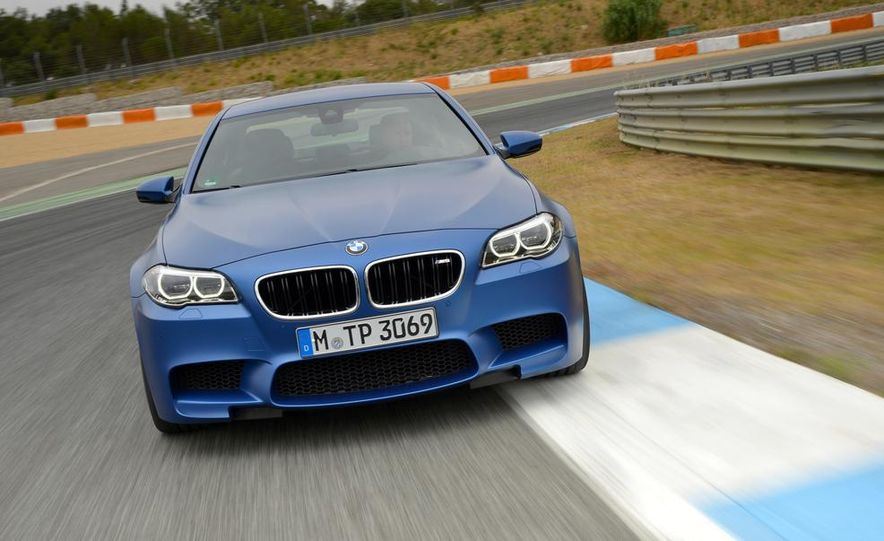2014 BMW M5 with Competition Package - Slide 15