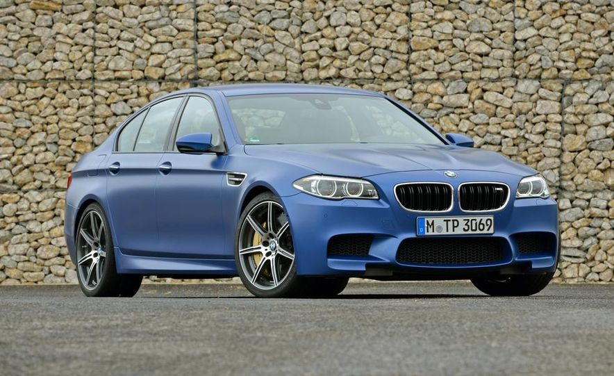 2014 BMW M5 with Competition Package - Slide 16