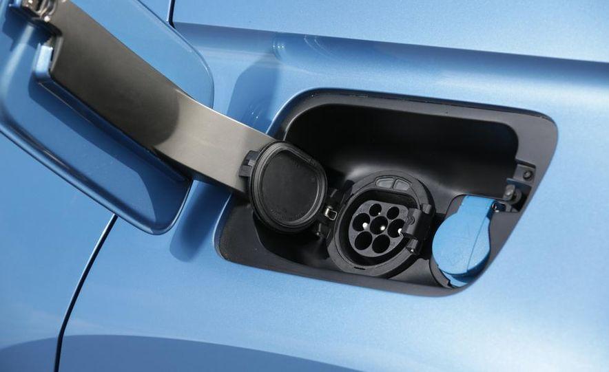Volkswagen CrossBlue concept - Slide 48