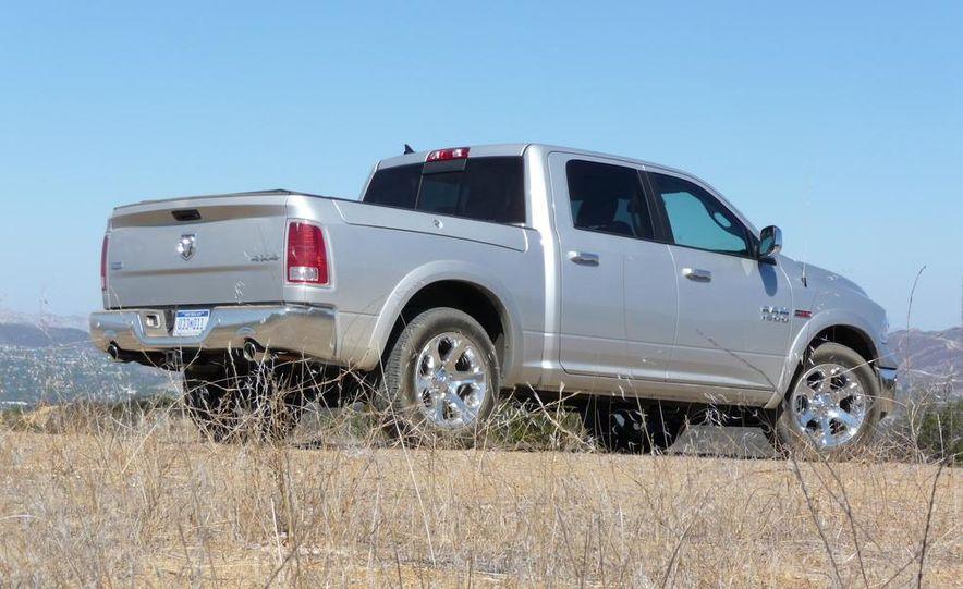 2014 Ram 1500 EcoDiesel Laramie - Slide 6