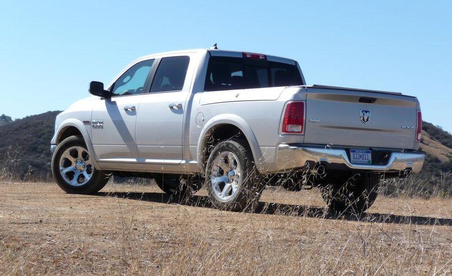 2014 Ram 1500 EcoDiesel Laramie - Slide 7