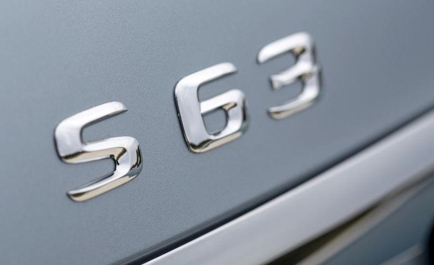 2014 Mercedes-Benz S63 AMG - Slide 18