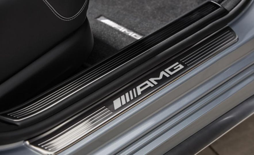 2014 Mercedes-Benz S63 AMG - Slide 23