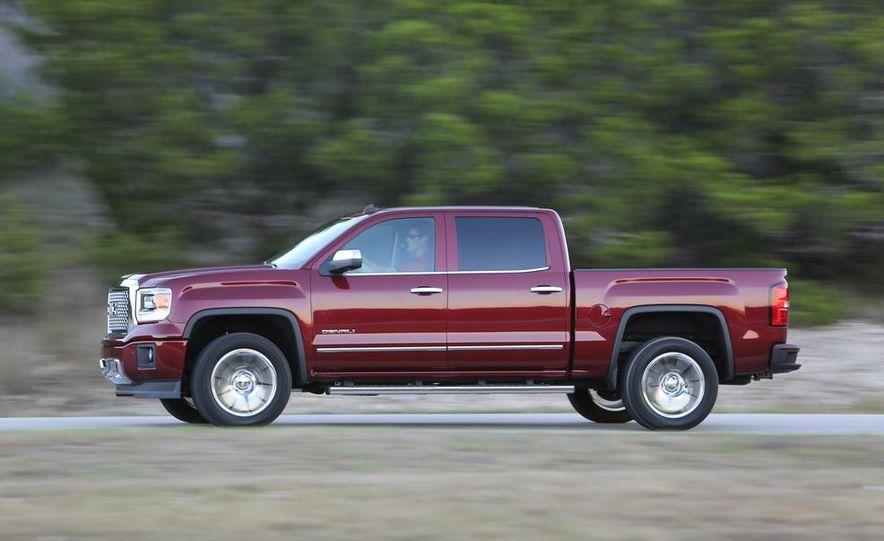 2014 Chevrolet Silverado High Country - Slide 24