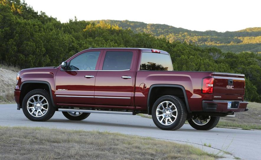 2014 Chevrolet Silverado High Country - Slide 28
