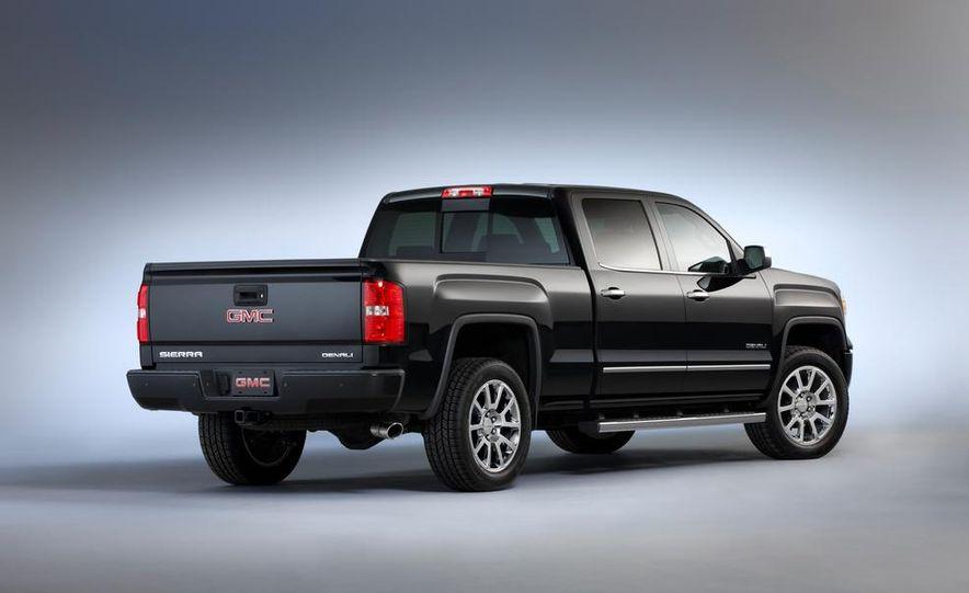 2014 Chevrolet Silverado High Country - Slide 34