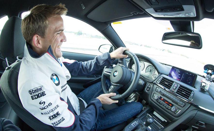 2015 BMW M4 coupes and M3 sedan - Slide 16