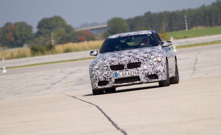 2015 BMW M4 coupes and M3 sedan - Slide 9