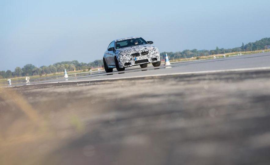 2015 BMW M4 coupes and M3 sedan - Slide 12