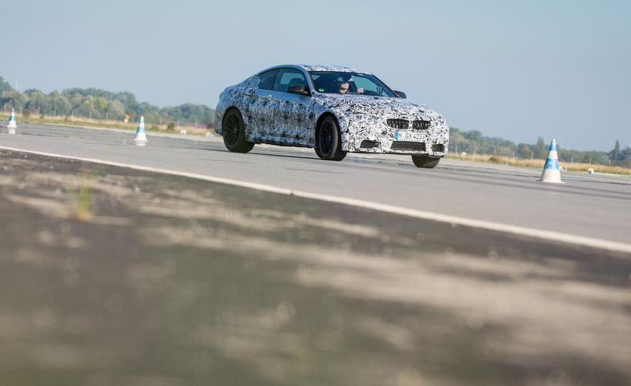 2015 BMW M4 coupes and M3 sedan - Slide 13