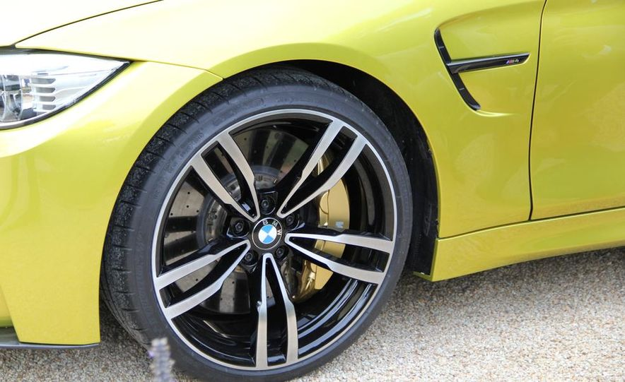 2015 BMW M4 coupes and M3 sedan - Slide 39