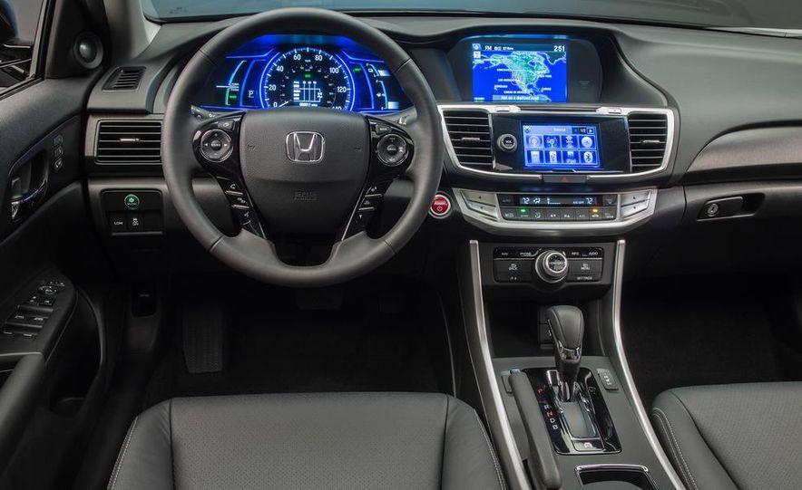 2014 Honda Accord Hybrid - Slide 4