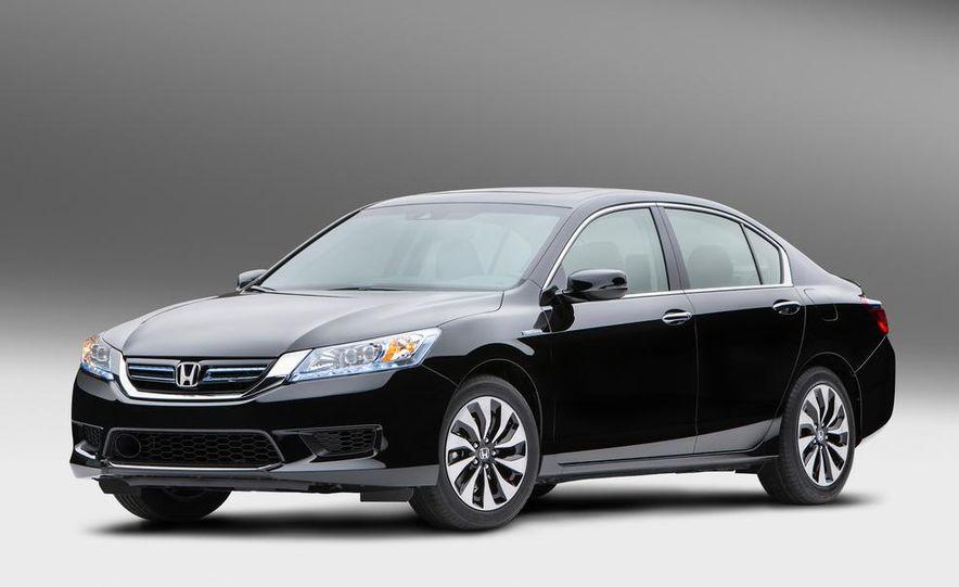 2014 Honda Accord Hybrid - Slide 2