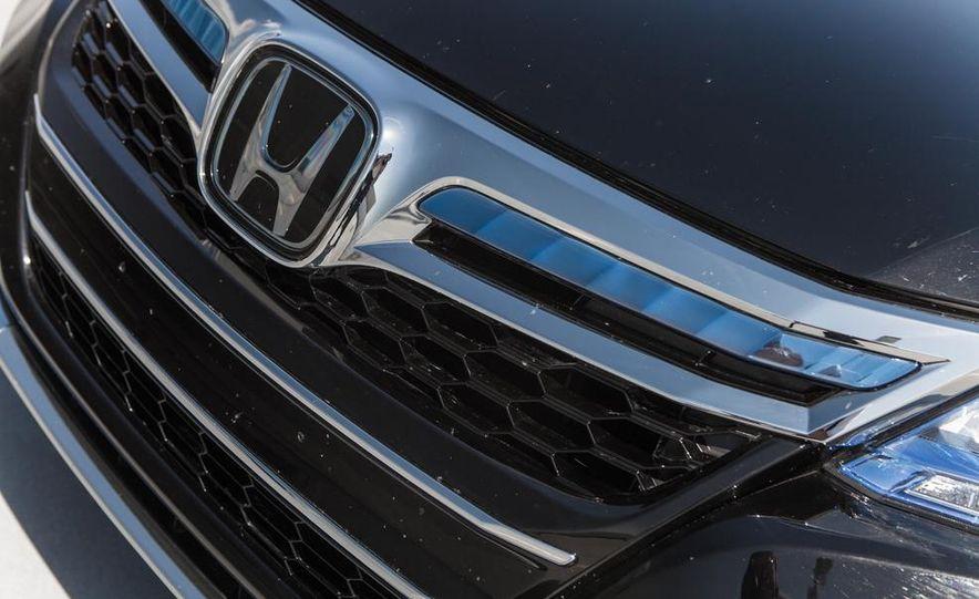 2014 Honda Accord Hybrid - Slide 18