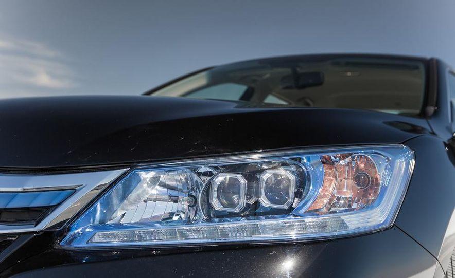 2014 Honda Accord Hybrid - Slide 16