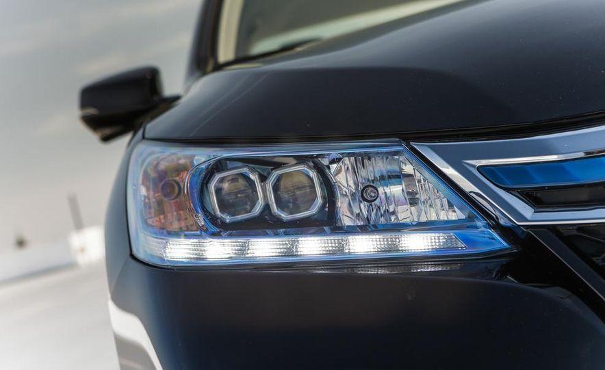 2014 Honda Accord Hybrid - Slide 17