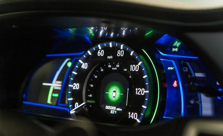 2014 Honda Accord Hybrid - Slide 30