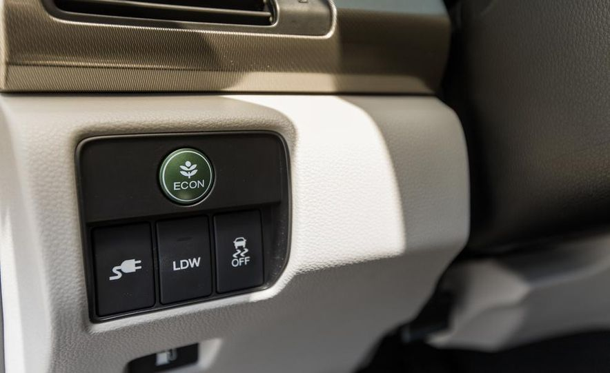 2014 Honda Accord Hybrid - Slide 31