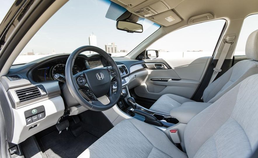 2014 Honda Accord Hybrid - Slide 24