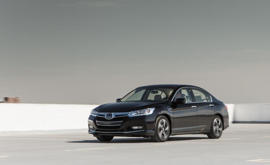 2014 Honda Accord Hybrid - Slide 8