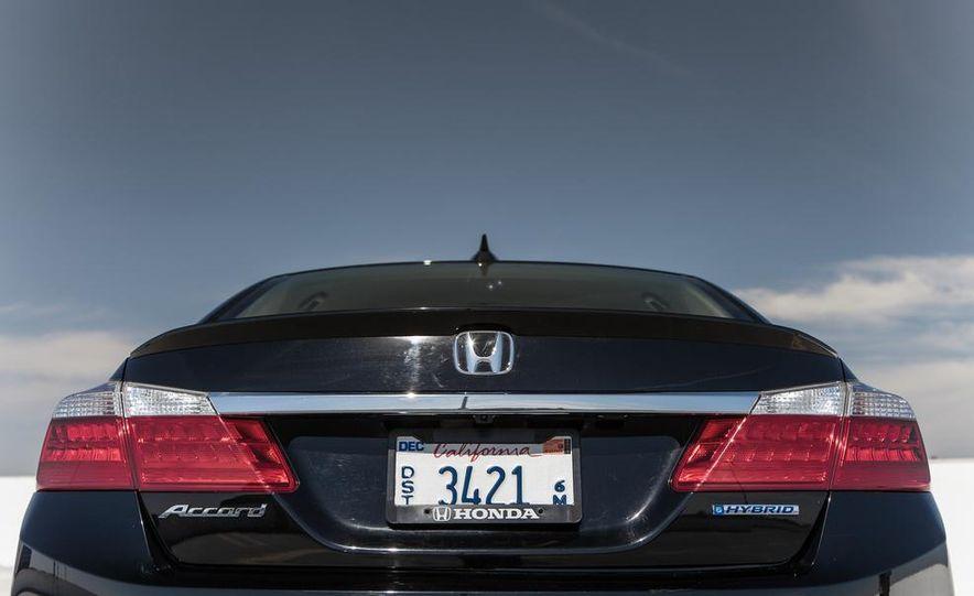 2014 Honda Accord Hybrid - Slide 21