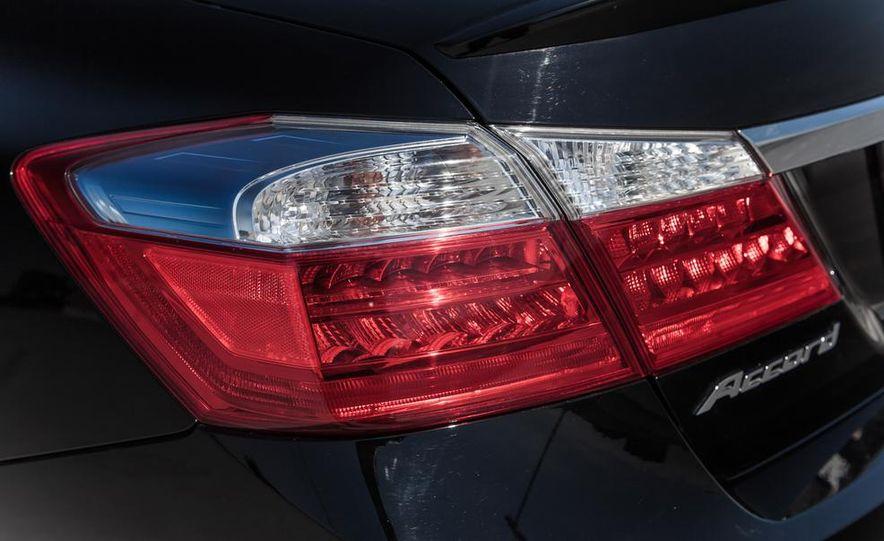 2014 Honda Accord Hybrid - Slide 22