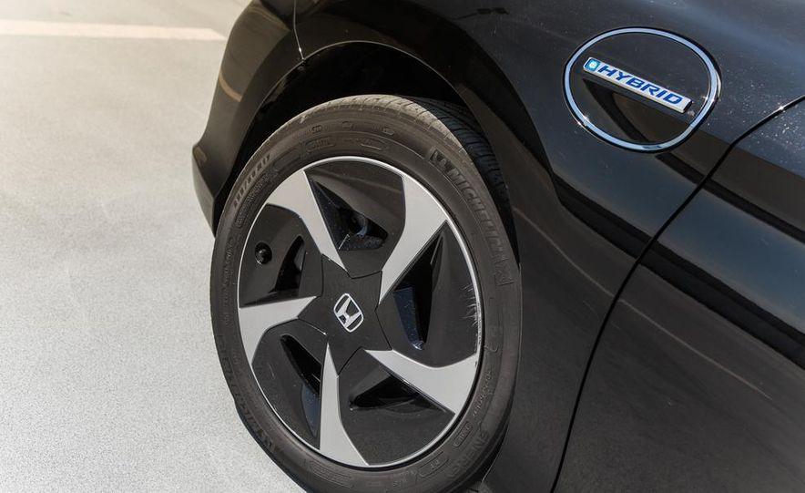 2014 Honda Accord Hybrid - Slide 19