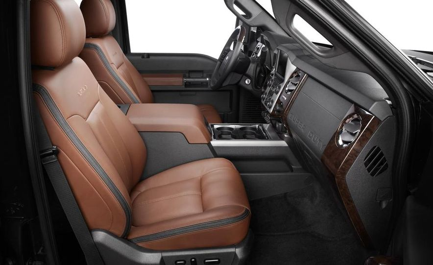 2015 Ford F-250 Super Duty King Ranch Crew Cab - Slide 21