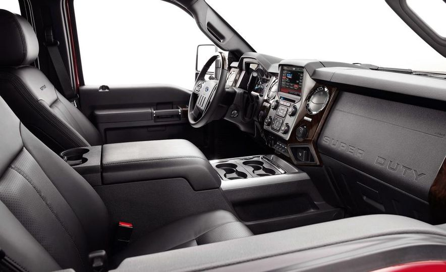 2015 Ford F-250 Super Duty King Ranch Crew Cab - Slide 22