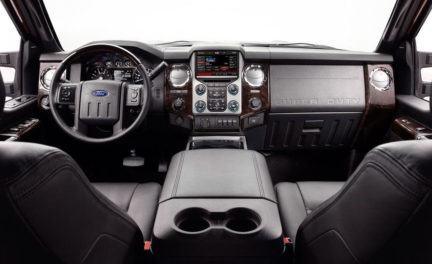 2015 Ford F-250 Super Duty King Ranch Crew Cab - Slide 25