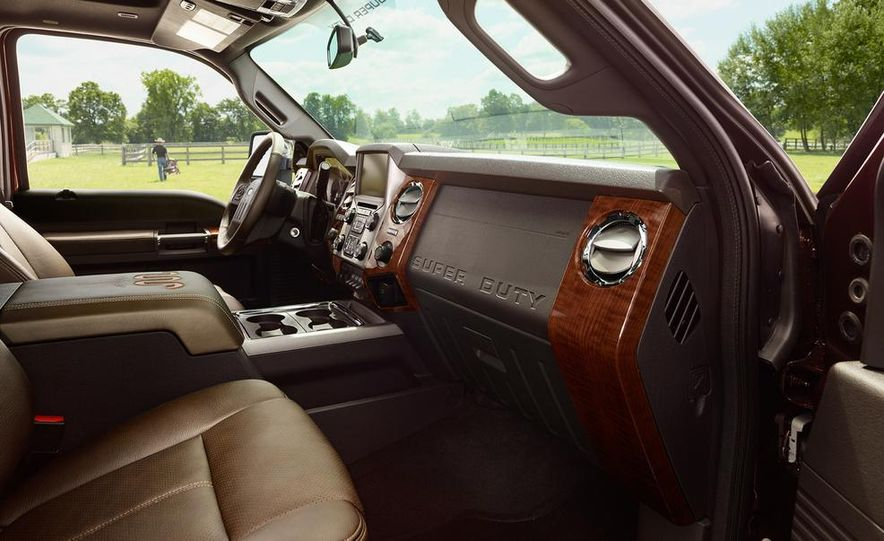 2015 Ford F-250 Super Duty King Ranch Crew Cab - Slide 3