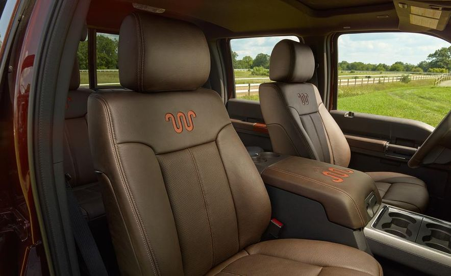 2015 Ford F-250 Super Duty King Ranch Crew Cab - Slide 4