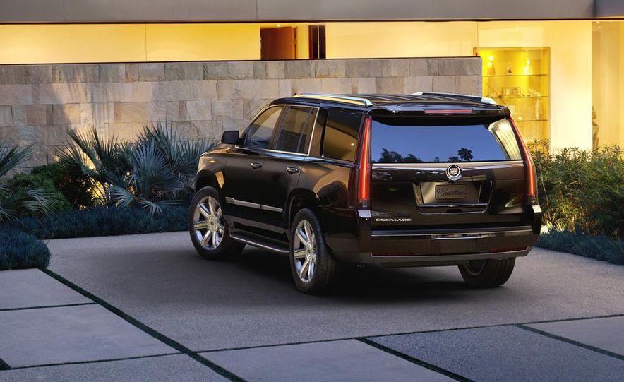 2015 Cadillac Escalade - Slide 2