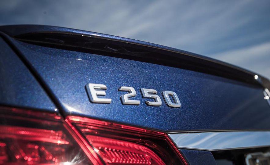 2014 Mercedes-Benz E250 BlueTec 4MATIC - Slide 16