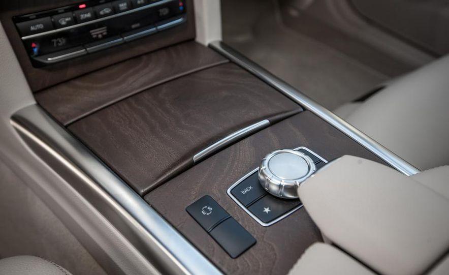 2014 Mercedes-Benz E250 BlueTec 4MATIC - Slide 33