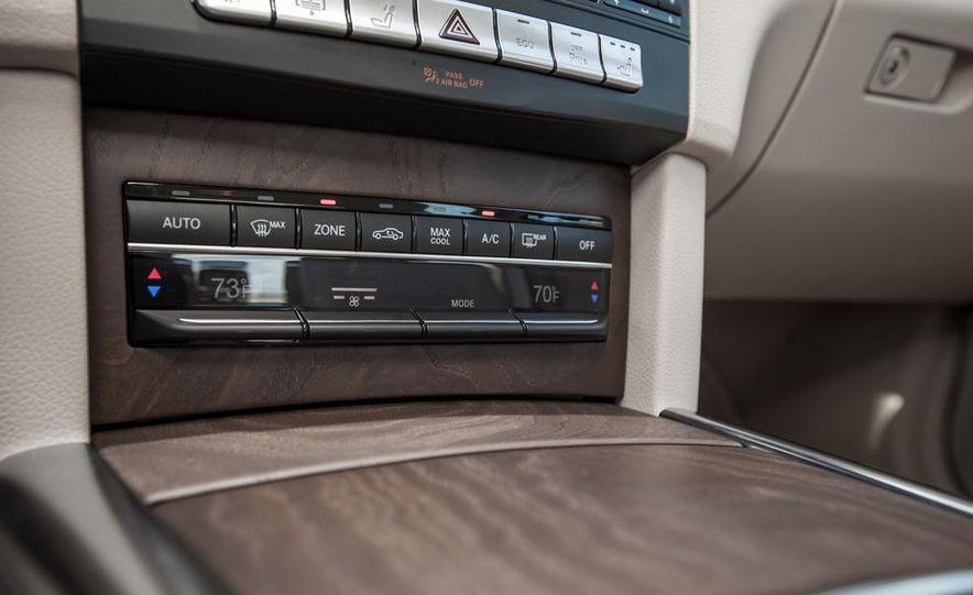 2014 Mercedes-Benz E250 BlueTec 4MATIC - Slide 35