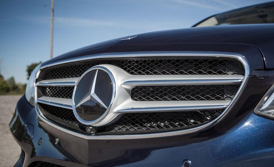 2014 Mercedes-Benz E250 BlueTec 4MATIC - Slide 10