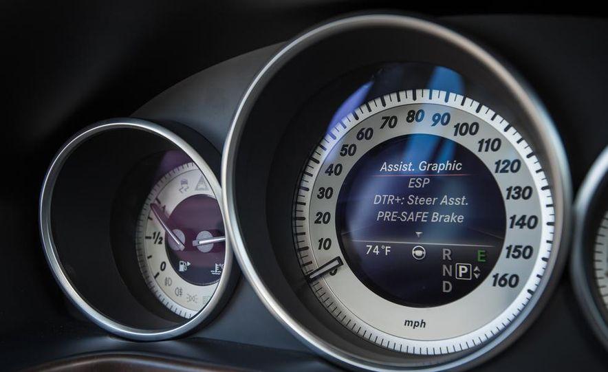 2014 Mercedes-Benz E250 BlueTec 4MATIC - Slide 28
