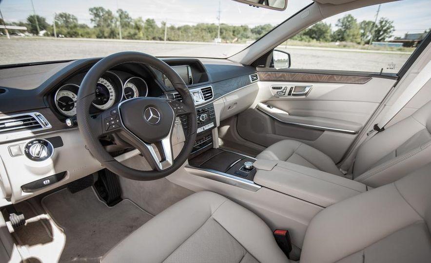 2014 Mercedes-Benz E250 BlueTec 4MATIC - Slide 18
