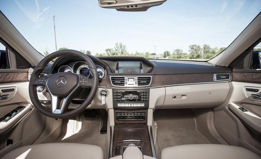 2014 Mercedes-Benz E250 BlueTec 4MATIC - Slide 19